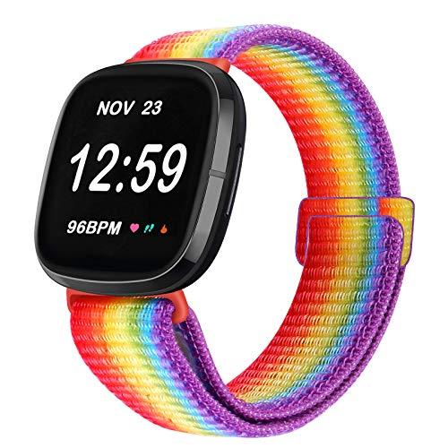 Vodtian, cinturino regolabile in nylon, compatibile con Fitbit Versa 3/Fitbit Sense, cinturino di ricambio sportivo per uomo e donna (arcobaleno)