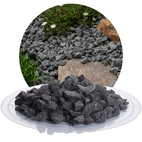 Schicker Mineral Basaltsplitt anthrazit 25 kg in den Größen 8-16 mm, 16-22 mm, 16-32 mm, 32-56 mm, ideal zur Gartengestaltung, schwarzer Naturstein Splitt (Basalt Splitt, 8-16 mm)