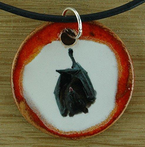 Echtes Kunsthandwerk: Toller Keramik Anhänger mit einem frechen Flughund; Vampir, Fledermaus, Blutsauger, Fledermäuse, Flughunde