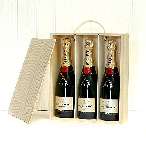 Fine Food Store Moet et Chandon Champagne Gift Box Set NV 75 cl (Case of 3)