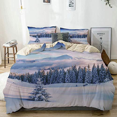 Funda nórdica Beige, árboles snovy en montañas de Invierno con Tonos como...
