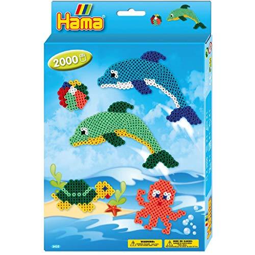 Hama Perlen 3435 Geschenkset Delfine mit ca. 2.000 bunten Midi Bügelperlen mit Durchmesser 5 mm, 2 Stiftplatten, inkl. Bügelpapier, kreativer Bastelspaß für Groß und Klein