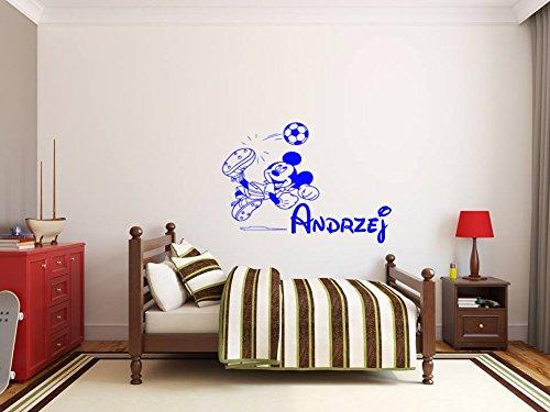 Nom pour les enfants avec un sticker mural Mickey Mouse. Mickey Mouse et le nom de l'enfant. Sticker mural avec le nom d'un enfant et Mickey Mouse. Une belle décoration murale avec le nom d'un enfant.