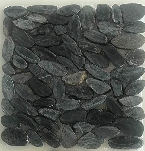 Piedra de rio enmallada Negra cortada, 30x30. Ideal para pasos que se mojen o pueden resbalar. En interiores es ideal para zonas de ducha. Muy decorativa para jardines o caminos ajardinados.