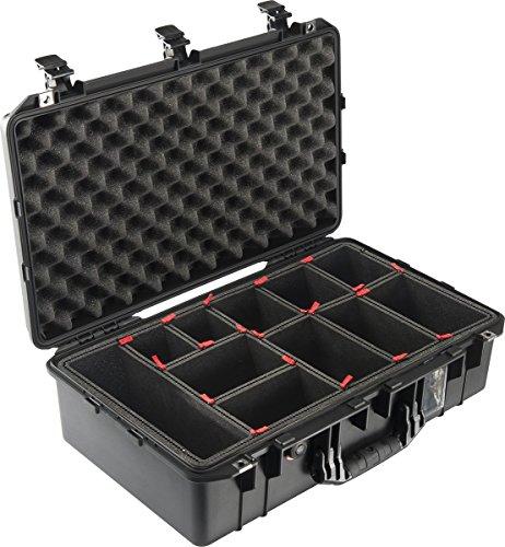 PELI 1555 Air Leichter Schutzkoffer für Kamera Equipment, Wasser- und Staubdicht, 36L Volumen, TrekPak Einteilungssystem (Anpassbar), Farbe: Schwarz