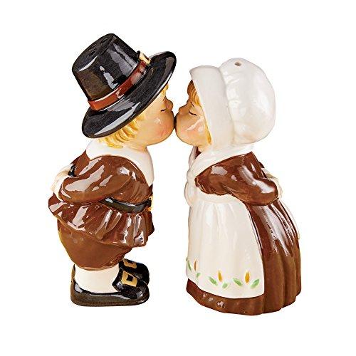Darling Kissing Pilgrims Salt & Pepper Shaker, Thanksgiving Table Accents