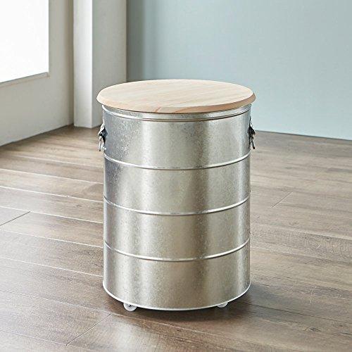 ドラム缶のような佇まいの個性的な米びつです。本体はトタン、フタは防虫効果のあるヒノキでできています。高さ約50cmで大容量ですが、キャスター付きなので移動も楽々!