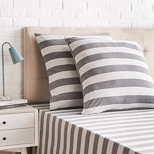 Amazon Basics - Kissenbezüge, Jersey, 2er-Pack, breite Streifen, 65 x 65 cm, Grau