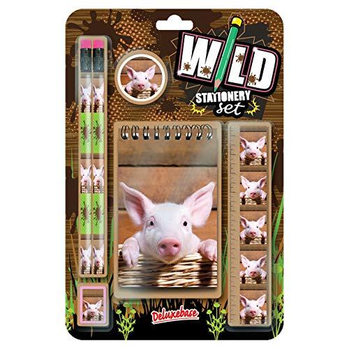 Wild Stationery Set - Cerdito de Deluxebase. Este bonito set de papelería para chicas incluye 2 lápices, goma de borrar, sacapuntas, regla y cuaderno
