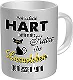 RAHMENLOS Original Kaffeebecher für den Katzenliebhaber: Ich arbeite hart für das Luxusleben meiner Katze - Im Geschenkkarton 2623