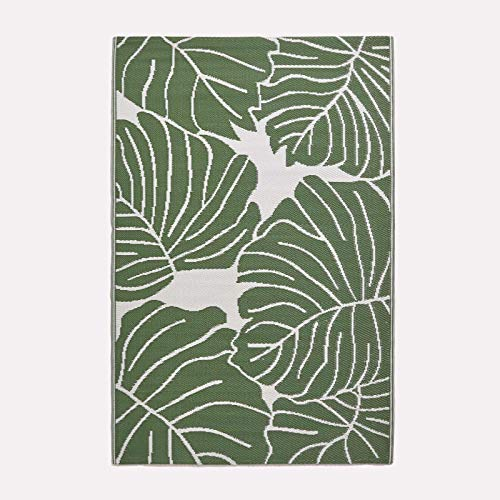 HOMESCAPES White & Green Outdoor Rug for Garden or Patio 100% Recycled...
