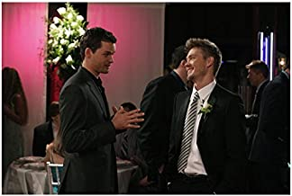 One Tree Hill Austin Nichols as Julian talking to Chad Michael Murray as Lucas 8 x 10 Inch Photo