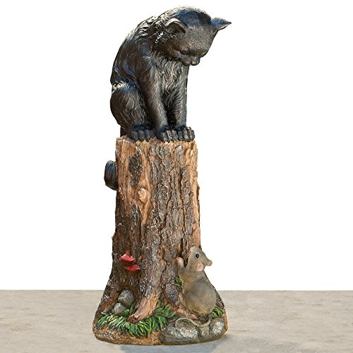 Bits and Pieces - Katz und Maus Gartenfigur - Kätzchen auf einem Baumstumpf mit Maus - 44cm hohe Gartendeko Figur aus Kunstharz - Wetterfest