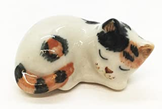 "WitnyStore Japanese Bobtail Cat Figurine - Collectible Animal Art - Miniature Hand Made and Painted Ceramic Table Decor Perfect for Gifts and Souvenirs - 1"" L x 1/2"" H x 1/2"" W"