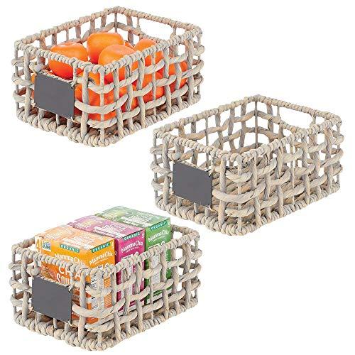 mDesign Set da 3 cestini portaoggetti per armadi – Scatole organizer in giacinto intrecciato con etichetta – Scatole contenitori con maniglie ideali per bagno, camera, ufficio – grigio chiaro