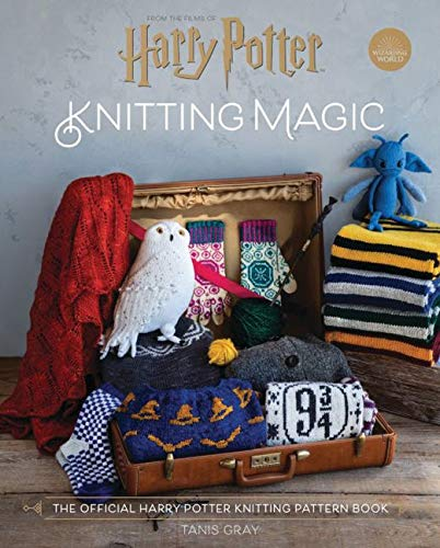 Harry Potter Knitting Magic: The official guide to creating magical knits
