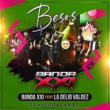 Besos (En Vivo) [feat. La Delio Valdez]