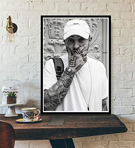 XIXISA Rapper R.I.P Mac Miller Swimming Music Singer Star Poster Wall Art Canvas Painting Wall Picture For Living Room Home Decoration 40x60cm No Frame