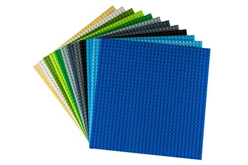 Strictly Briks Pack de 12 Bases apilables para Construir - Compatible con Todas Las Grandes Marcas - 25,4 x 25,4 cm - 12 Bases de Colores