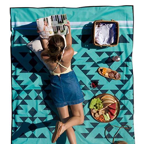 CGear Sandlite, patentierte sandfreie Strandmatte, langlebig, wasserabweisend und ideal für Familien-Picknicks, Camping und alle Outdoor-Abenteuer., Unisex-Erwachsene, Sandlite, Grünes Dreieck, Small