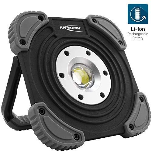 Ansmann Projecteur LED avec batterie 1400 lumens & 10 W – Lampe de travail rechargeable et flexible à intensité variable IP64 – Spot LED robuste pour chantier, atelier et garage – Lampe de travail LED