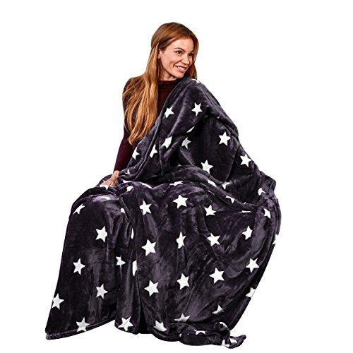 Pink Papaya Snug Me Supersoft Stars, Kuscheldecke mit Sternenmuster, Maße: 150 x 200 cm, Farbe: schwarz/Weiss