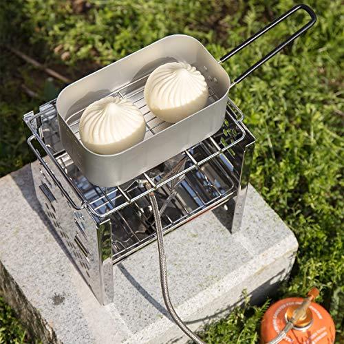 メスティンの中に網を入れれば、蒸し料理も簡単です。蓋の1/3~1/2くらいの水を入れて、火にかけます。水の量が少ないとすぐに蒸発してしまい、メスティンの底の部分が焦げ付いてしまいます。  肉まんや小籠包を蒸すときには、蒸気が上がっていることをきちんと確認して、底が焦げてしまわないよう気を付けましょう。