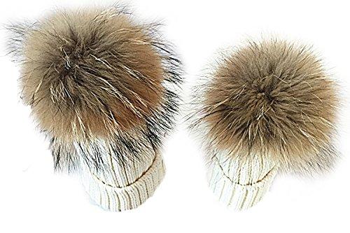 TININNA Pack de 2 Sombreros de Punto para Padres e Hijos, Pack de 2 Gorro Beanie Suave Piel sintética Doble Pom Hairball de Invierno de esquí para Madre y niño-Blanco