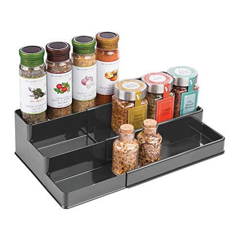 mDesign Gewürzregal für Küchenschrank – ausziehbarer Gewürzständer für Ordnung in der Küche – Gewürzregal mit drei Ebenen – dunkelgrau