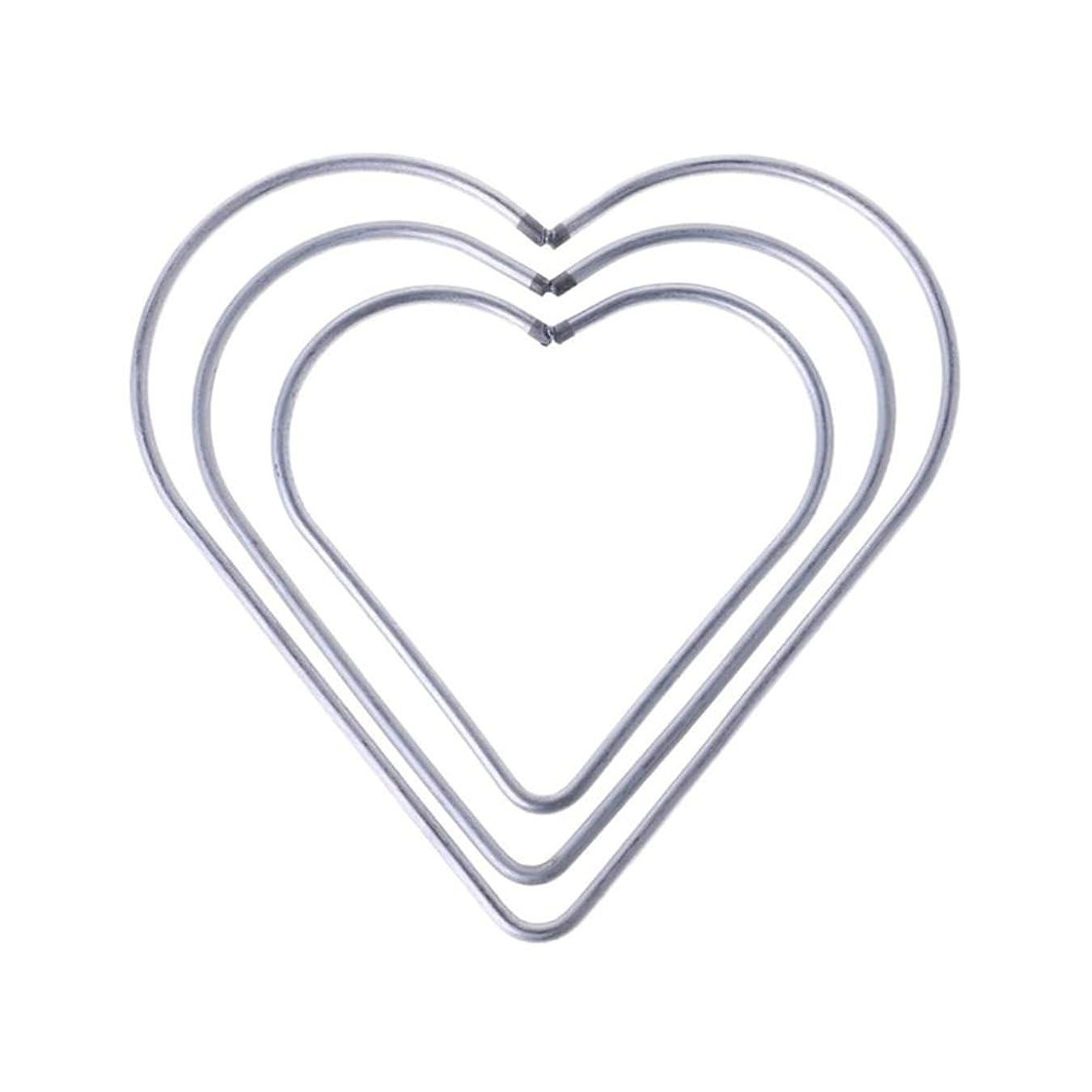 法廷深いレンドVosarea 3本の金属のドリームキャッチャーのリングのフープは、ドリームキャッチャーのための心臓の形状のメタルフープマクラメットリングDIYのクラフト(8cm + 10cm + 12cm)