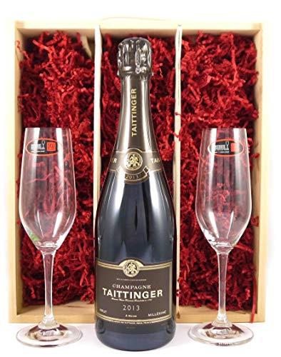 Taittinger Brut Millésimé Vintage Champagne 2013 with Two Riedel Crystal Champagne Flutes in einer Geschenkbox. Da zu vier Wein Zubehör, Korkenzieher, Giesser, Kapselabschneider, Weinthermometer