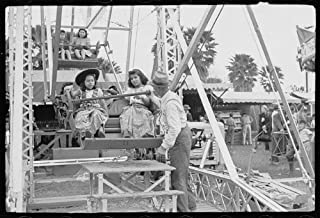 HistoricalFindings Photo: Ferris Wheel Ride,Carnival,Brownsville,Texas,TX,February 1942,Arthur Rothstein,1