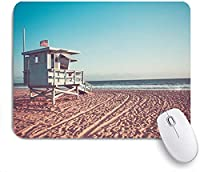 KAPANOU マウスパッド、コーストライフガードハットランドスケープアウトドアUSAオーシャンのモニカビーチランドマーク公園の海岸線キャビン おしゃれ 耐久性が良い 滑り止めゴム底 ゲーミングなど適用 マウス 用ノートブックコンピュータマウスマット