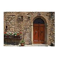 Assanu ヴィンテージのバスルームの敷物の古い建物のレンガの壁の木製のドアと花のパターンの装飾ホームディスプレイの出入り口は、バスルームのリビングルームへようこそ