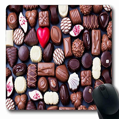 Mousepad Oblong Brown Sortiertes Sortiment Feine Pralinen Weißer Tag Dark Food Drink Holidays Rote belgische Süßigkeiten Rutschfeste Gummimaus Pad Office Computer Laptop Spielmatte