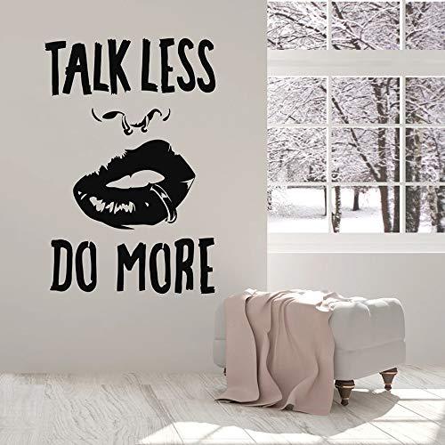 ASFGA Schriftzug Wandtattoo Zitate sprechen weniger und tun mehr charmante Mädchen Lippen Vinyl Fenster Aufkleber kreative Wandbilder Frauen Schlafzimmer Haus Dekoration