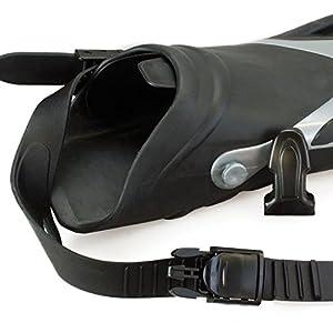 Die Schnellverschlüsse ermöglichen ein schnelleres an und ausziehen der Belly Boot Flossen