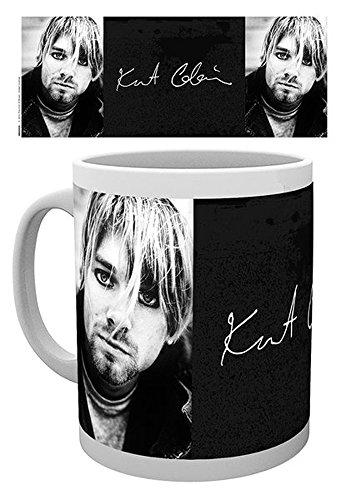 empireposter - Cobain, Kurt - Signature - Größe (cm), ca. Ø8,5 H9,5 - Lizenz Tassen, NEU - Beschreibung: - Keramik Tasse, weiß, bedruckt, Fassungsvermögen 320 ml, offiziell lizenziert, spülmaschinen- und mikrowellenfest -