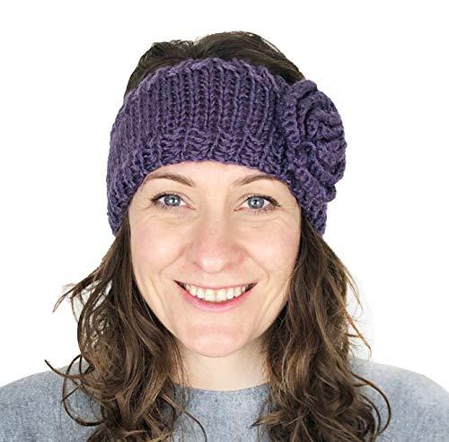 Pamper Yourself Now Lila Wolle maschinenStrick StirnBand mit Blume. Warme Winterstirnband. (PURPLE woollen machine knitted headband with flower. Warm winter headband)