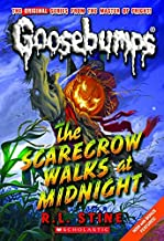 The Scarecrow Walks at Midnight (Classic Goosebumps #16)