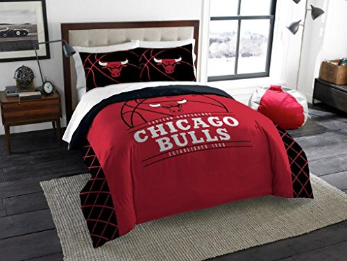 """Chicago Bulls - 3 Piece FULL / QUEEN SIZE Printed Comforter & Shams - Entire Set Includes: 1 Full / Queen Comforter (86"""" x 86"""") & 2 Pillow Shams - NBA Basketball Bedding Bedroom Accessories image"""