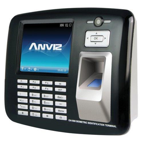 Presentatie en toegangscontrole – vingerafdrukken, RFID, toetsenbord en camera 1,3 megapixel – 1000 opname/200.000 opnames – WiFi, TCP/IP, USB, RS232, relais, 16 modi voor aanwezigheid – software CrossChex.