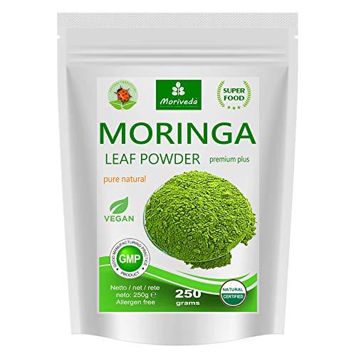 MoriVeda® Moringa Oleifera Blattpulver 250g, PREMIUM PLUS I Enthält Moringa, hochdosiertes Vitamin C, Proteine & Aminosäuren in Ayurveda Spitzen-Qualität I Vegan & Glutenfrei I 1 x 250g