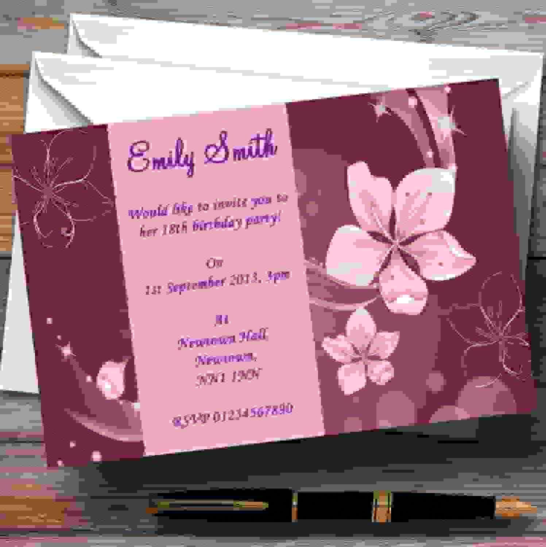 Color morado flores personalizado invitaciones de fiesta