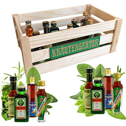 Creofant Luxus Kräutergarten · Witzige Geschenkidee für Männer und Frauen mit Alkohol · 8 x Kräuter-Likör · Echtholzkiste mit echt aussehendem Kunstrasen