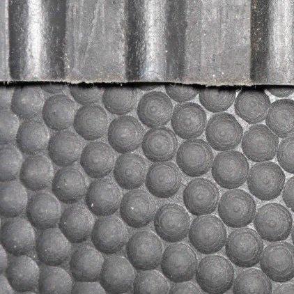 Stabile Bodenmatte mit Noppen, 1 Stück, 12 mm dick, 1,82 x 1,22 m, geeignet für Pferde, Ponys oder Nutztiere, Gummimatte, auch geeignet fürs Fitnessstudio, Schwarz