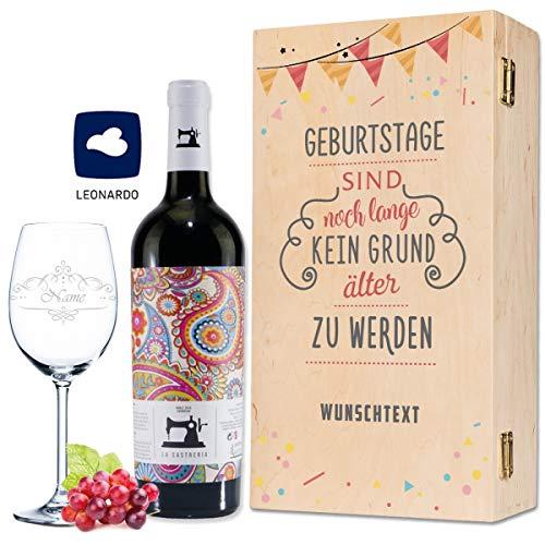 Leonardo Weinglas mit Gravur inkl. bedruckter Holzkiste + La Sastreria Weinflasche 0,75 l - Geburtstagsgeschenk für Frauen & Männer - Wein Geschenkset - Wein des Jahres 2018 Farbe Rot
