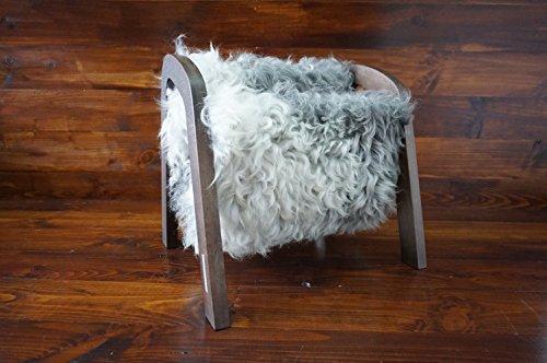 MILABERT Exklusive Eichenholz Zeitungsständer mit echtem geschweiften Silber Schwedischen Gotland Schaffell - lockig weiche Wolle - Designermöbel (MR8)