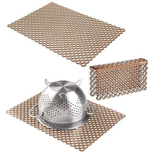mDesign Set da 3 Tappetino lavello cucina antigraffio – 2 grandi tappeto lavandino e 1 protezione divisore in plastica – Proteggi lavello per doppio lavello con design a rete – marrone