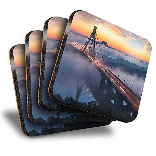 Destination Vinyl ltd Great Posavasos cuadrados (juego de 4) – Puente Norte de Moscú Kiev Ucrania bebida brillante posavasos/protección de mesa para cualquier tipo de mesa #21906